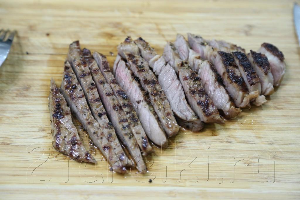 Греческий салат с говядиной-гриль 5