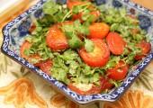 Жареные помидоры с кинзой