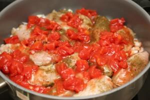 Куриная грудка, тушенная в пряном томатном соусе 6