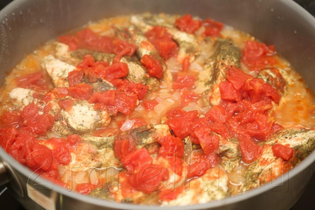 Куриная грудка, тушенная в пряном томатном соусе 7