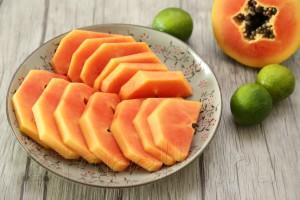 Завтрак с папайей