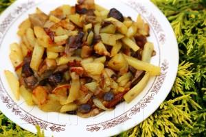 Жаренные с картошкой грибы