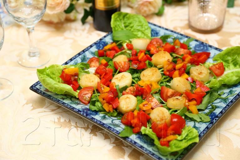Салат с гребешками