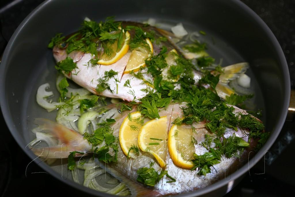 Рыба, припущенная в вине 5