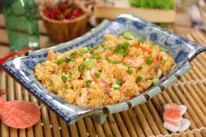 Жареный рис с морепродуктами по-китайски