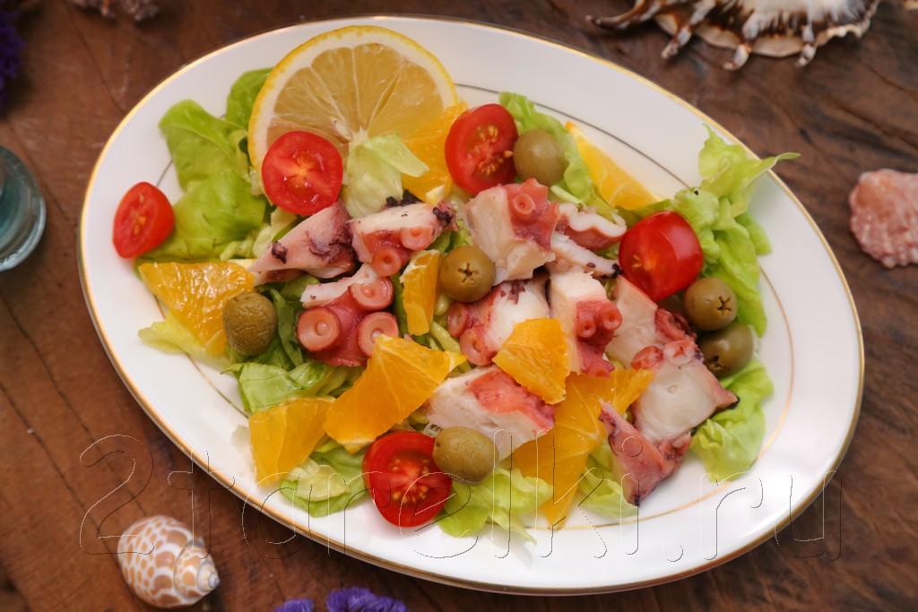 Салат из осьминога с апельсинами