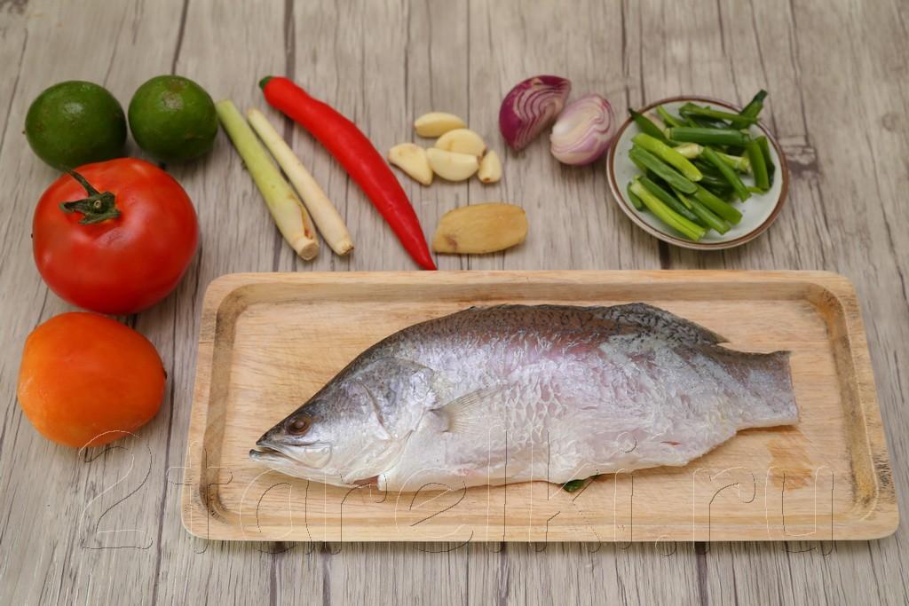 Простой суп с рыбой по-азиатски